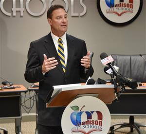 Superintendent Addresses Growth/Capacity Issues